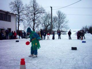 Maškarní na ledě
