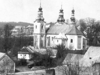 Kostel sv. Bartoloměje s původní školou