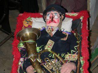 Pochovávaný muzikant...