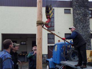 Hodové přípravy a stavění máje