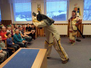 Indiánské čtení - 8.3.2016 -Divadlo Emillion - indiánský příběh