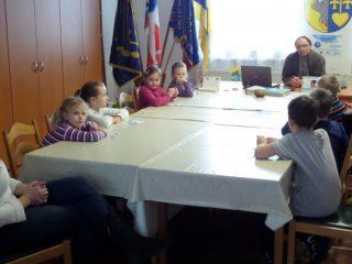 Návštěva ZŠ Rozsochy - kancelář starosty obce a prostory OÚ