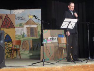 Setkání seniorů - zahájení - starosta obce Josef Smolka